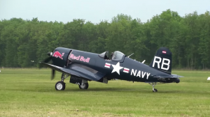 F4U4 Corsair Red Bull roulage rolling and take off Full HD