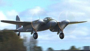 De Havilland Mosquito Performs Beautiful Low Level Fly-bys