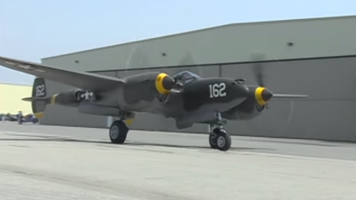 The Majestic Sounds Of Two Lightnings: This Is P-38 Heaven   World War Wings Videos
