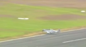 Sketchy P-51 Mustang Belly Landing: Pilot Handles It Like A Pro