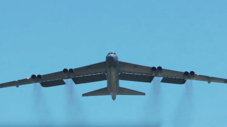 Have You Ever Seen A B-52 Waving Goodbye? | World War Wings Videos