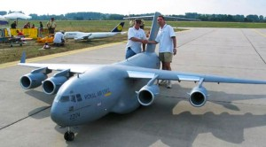 RC C-17 So Big It BARELY Gets Off The Ground