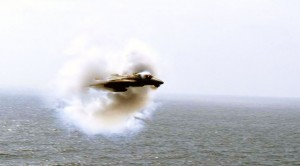 These Guys Catch An F-14 Tomcat Do The Best Thing Ever