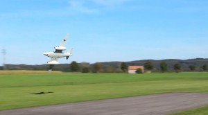 The Pilot Of This 1/4 Scale Me 262 Has CRAZY Skills