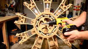 Carpenter Builds A Wooden WWII Radial – And It Works Too
