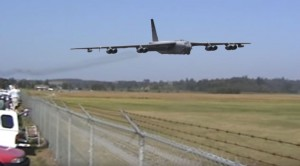 This B-52 Fast And Low Will Send Chills Down Your Spine