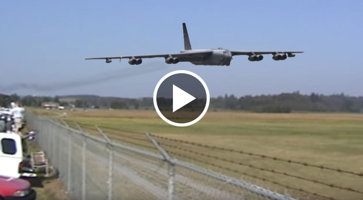 This B 52 Fast And Low Will Send Chills Down Your Spine
