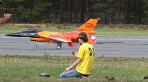 That's NOT How You Land A 15,000 Dollar F-16 RC