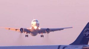 Airliner Pilot Makes Big Mistake–Risks Hundreds Of People On 2 Planes