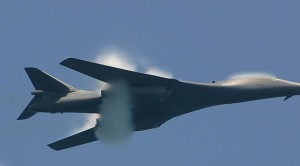 Extremely Rare Footage Of B-1 Lancer With A Vapor Cone–Awesome Sound
