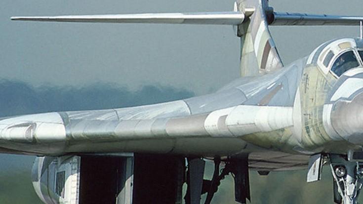 step   worlds biggest bomber        world war wings