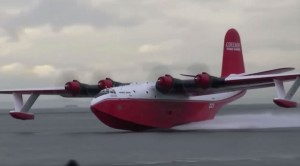 Gigantic Seaplane Stuns Crowd With Jaw-Dropping Plunge