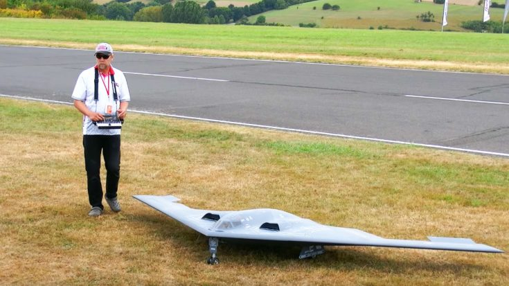 This Guy Built One Of The Finest Rc B-2 Spirits We've Ever Seen | World War Wings Videos