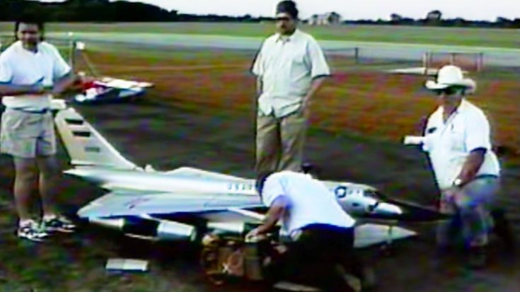 This Award Winning RC B-58 Hustler Had An Untimely Demise | World War Wings Videos