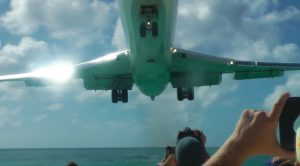 Plane Spotters Get More Than They Bargained For-Insanely Low Approach
