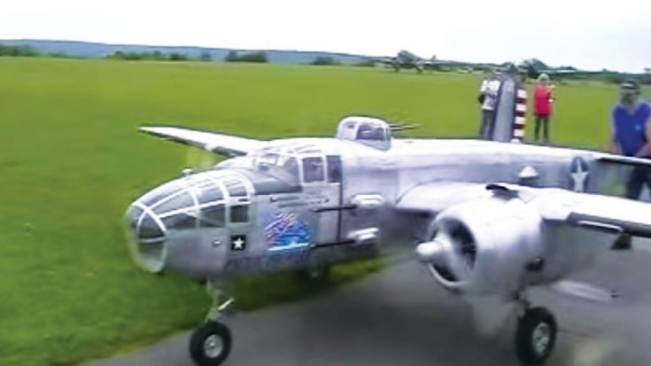 This 1/3rd Scale B-25 Mitchell Sounds Like The Real Thing-Great Flight Too | World War Wings Videos