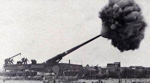 Insane Firepower Of Germany's Gigantic Cannon – Launching 560-Pound Blasts Over 40 Miles