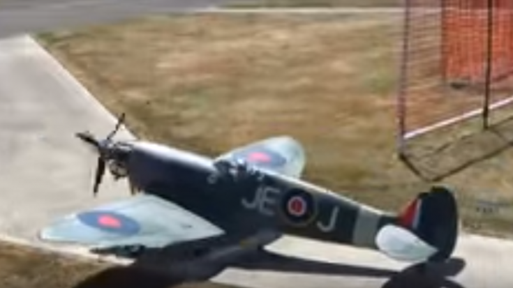 Giant Scale Spitfire Crash Landing – It Looks Scary! | World War Wings Videos