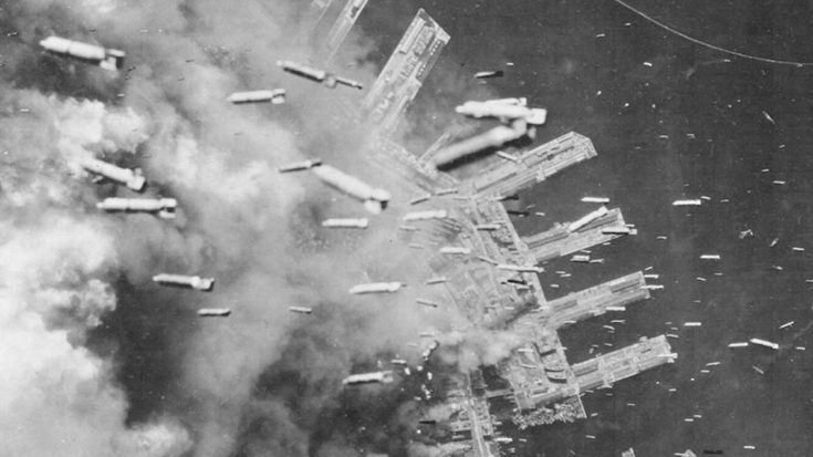 174 B-29s Unleash Incendiary Bomb Onslaught Over Tokyo – Deadliest Bombing In History | World War Wings Videos