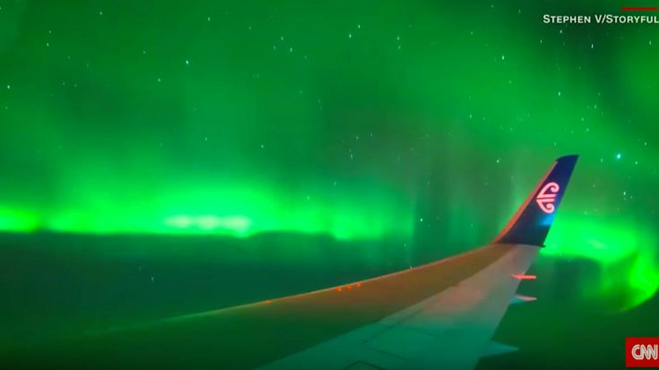 Passenger Films His Flight Going Through Southern Lights-Absolutely Stunning! | World War Wings Videos