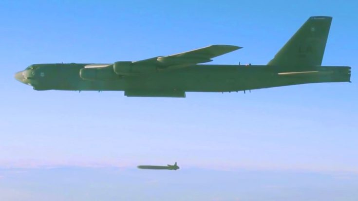 Colossal B-52 Bomber Unleashes $1 Million Nuclear Cruise Missile – 20 Feet Long And 3,000 Lbs | World War Wings Videos