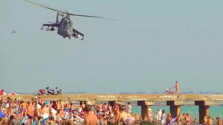Insane Helicopter Pilot Bolting Dangerously Low Over Unsuspecting Beachcombers | World War Wings Videos