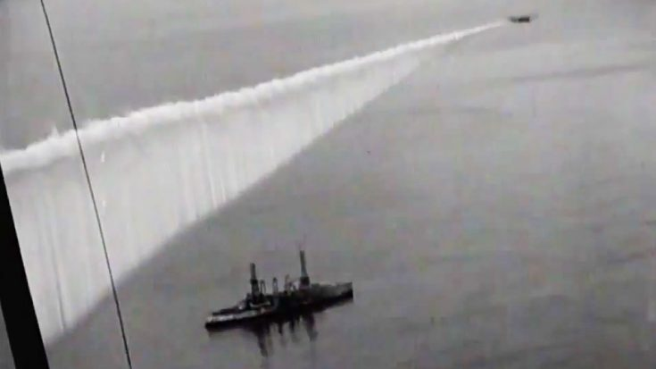 Rare Footage Of Plane Laying 'Smoke Curtain'-An Ingenious Naval