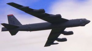 B-52H Stratofortress Comes Down Hard, Fast And Low – Damn, That's Loud!