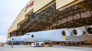 World's Biggest Plane Makes Revolutionary First Appearance – Wingspan Surpasses The Spruce Goose