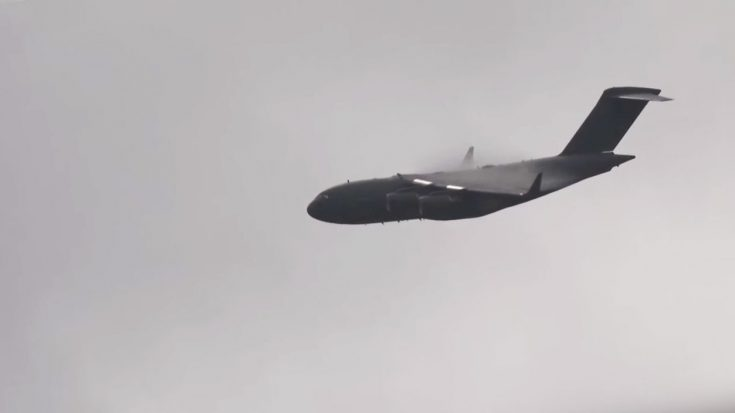 A Rare Look At A C-17 Streaming Vapor-Super Neat To Watch | World War Wings Videos