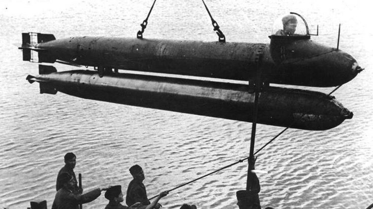 Deadly, Covert And Stealthy – No Ship Was Safe From The Human Torpedo | World War Wings Videos