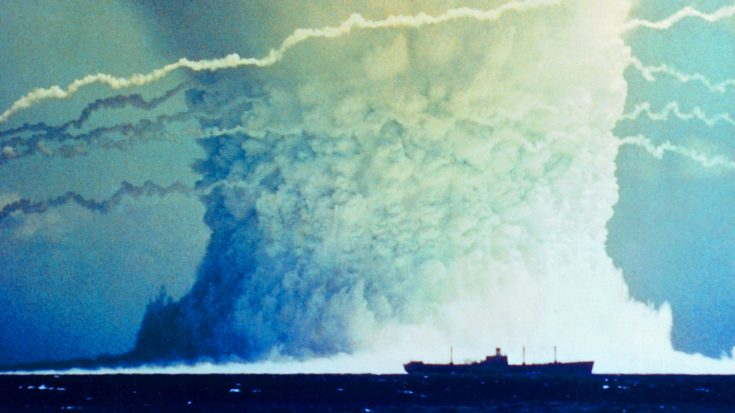 Tsunami Bomb – The Gigantic Underwater Explosion Stretching Into The Sky | World War Wings Videos