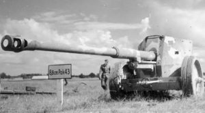 Nazi Germany's Gigantic Tank-Killer Gun – Obliterates Armored Vehicles From 9 Miles Away