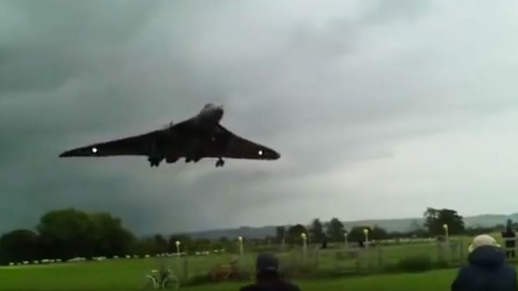 Watch This Vulcan Buzz The Ever Living Daylights Out Of People-Turn Up The Volume! | World War Wings Videos