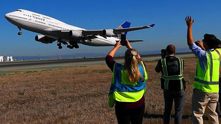 The Last United Airlines Boeing 747 Faces The Inevitable   World War Wings Videos