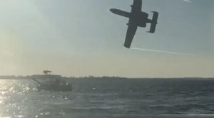 A-10 Pilots Scare The Crap Out Of Boaters By Giving Them Killer Flybys
