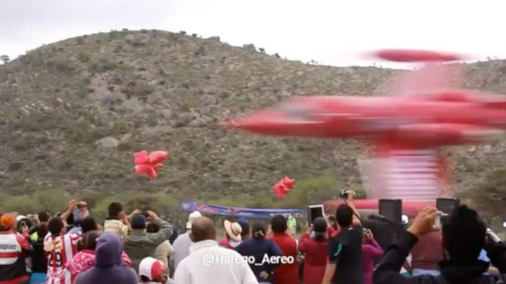 Spectators Catch The Closest Flyby Ever Recorded And It's Epic | World War Wings Videos