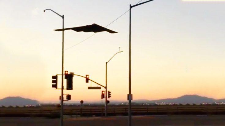 Bystander Captures Spectacular Video Of B-2 Spirit Randomly Flying Over Street   World War Wings Videos