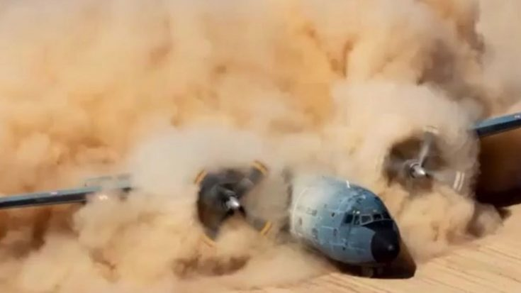 This Plane Forming A Dust-Cloud In Slow Motion Is Beyond Mesmerizing To Watch | World War Wings Videos