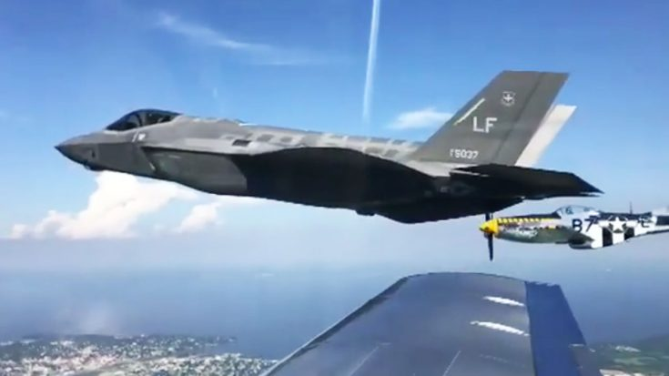 This Clip Shows The Perfect Flyby Everyone Of Our Fans Would Love To Witness | World War Wings Videos
