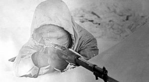 How The World's Deadliest Sniper Stayed One Step Ahead Of An Entire Army