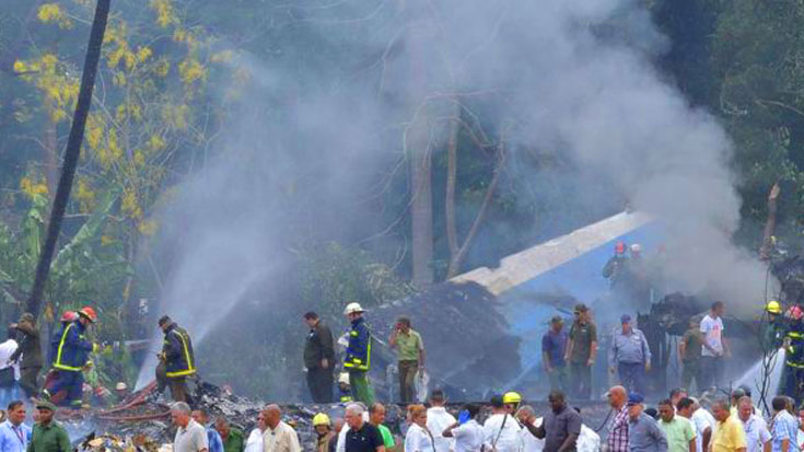 Fatal 737 Crash Claims Lives Of Over 100 Passengers – 3 Survivors Pulled From Wreckage   World War Wings Videos