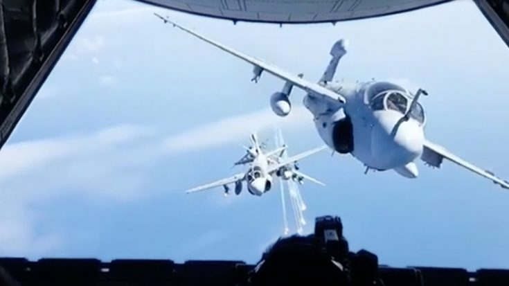 4 Prowlers Pop Flares In This Historic And Spectacular Video Clip | World War Wings Videos