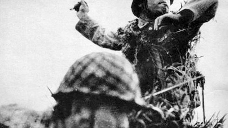 The Soldier Who Threw Himself On A Grenade | World War Wings Videos