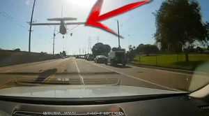 Pilot In Trouble Just Made A Spectacular Emergency Landing On Busy L.A. Road