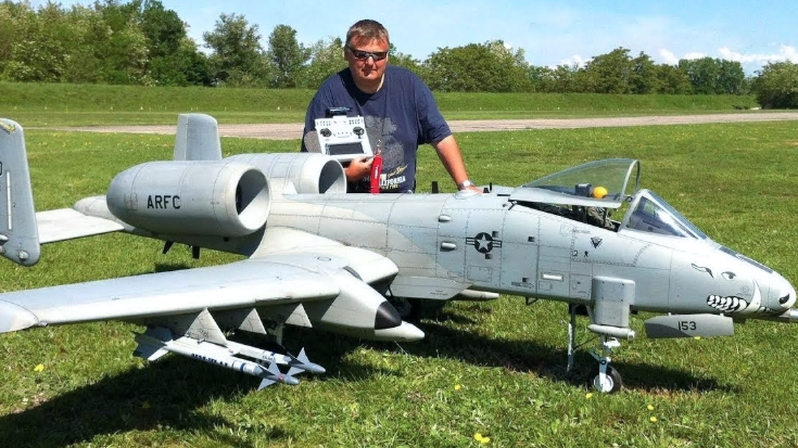 Gigantic RC Warthog Roars Dynamic Engines And Unleashes Flares | World War Wings Videos