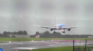 Expert Pilot Just Nailed A 40 Knot-Crosswind Landing During Worst Storm In 30 Years