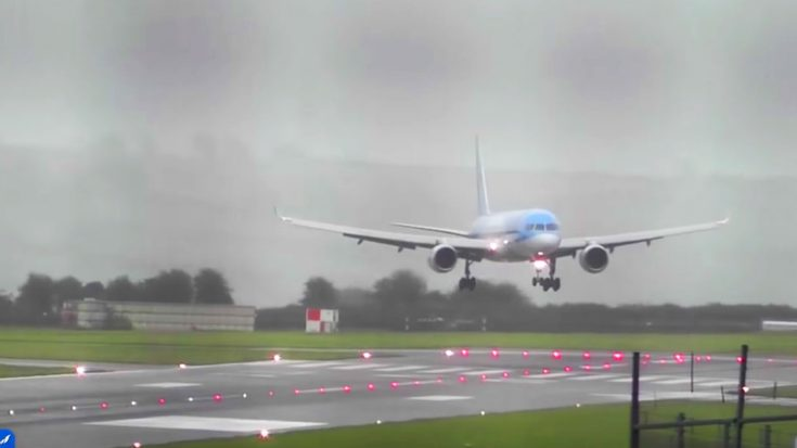 Expert Pilot Just Nailed A 40 Knot-Crosswind Landing During Worst Storm In 30 Years | World War Wings Videos