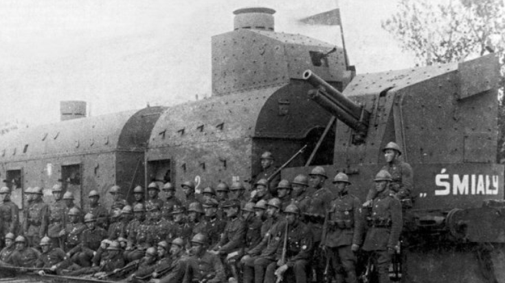 This Massive Armored Train Demolished German Tank Divisions | World War Wings Videos