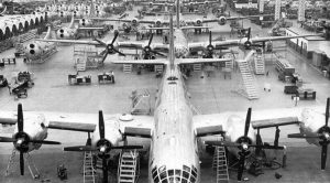 Take A Look Inside A B-29 Factory In This Classy 40s Video